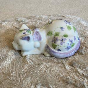 Vintage Andrea by Sadek Sleeping Cat Figurine